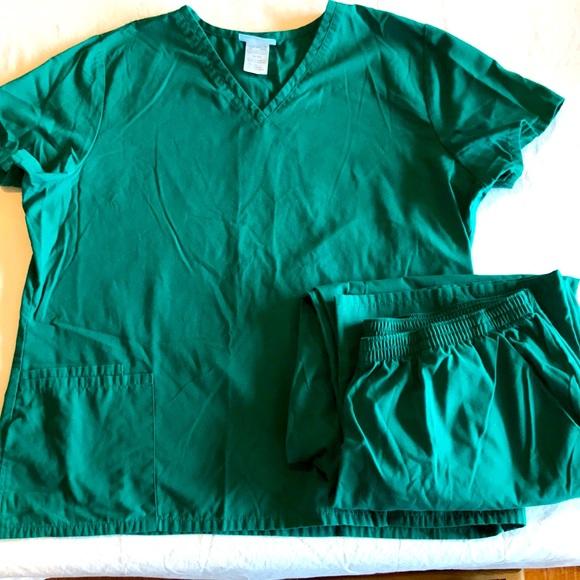 SB Green scrub set top& pants size XL